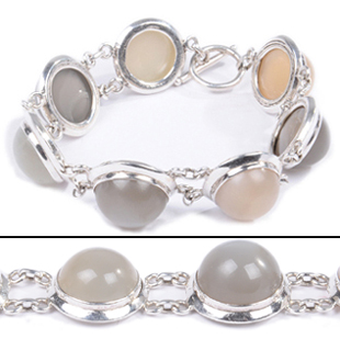 SKU 18332 - a Moonstone Bracelets Jewelry Design image