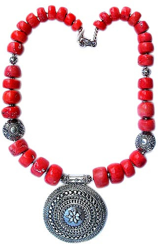 Red Coral Silver Silver Setting Medallion Necklaces 17 Inches