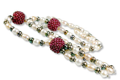 Multicolor Pearl And Garnet Necklace