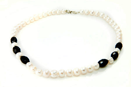 Pearl And Faceted Black Onyx Necklace