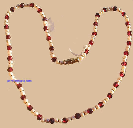 Red White Pearl Garnet Beaded Necklaces 17 Inches