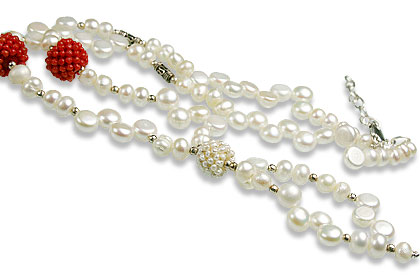 Classic Pearl Necklaces 2