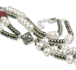 Multicolor Pearl and Garnet Necklace 2